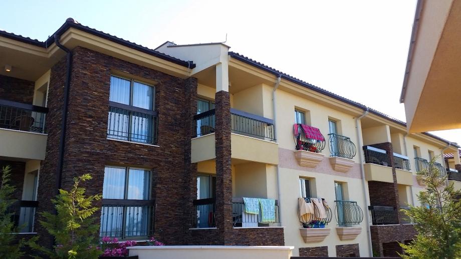 Riu Blue Waves Resort Zimmer 3342 oben auf der Ecke - Außenansicht vom Pool aus